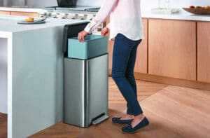 Best Kitchen Trash Can 2020 Top Full Guide, Review