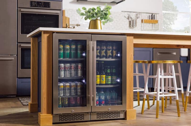 Essential Features When Purchasing a Beverage Cooler